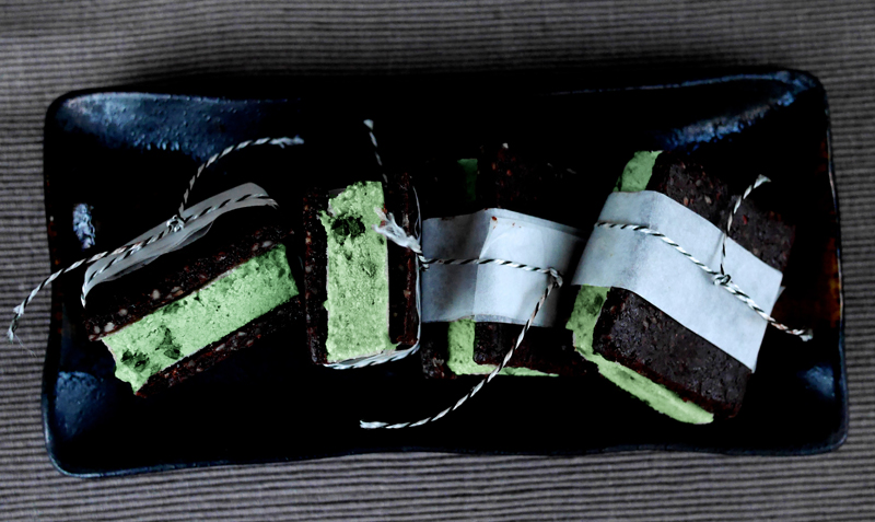 raw vegan mint choc-chip ice cream sandwiches